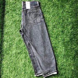 NWT Levi Grey Barrel Jeans Ankle Crop!